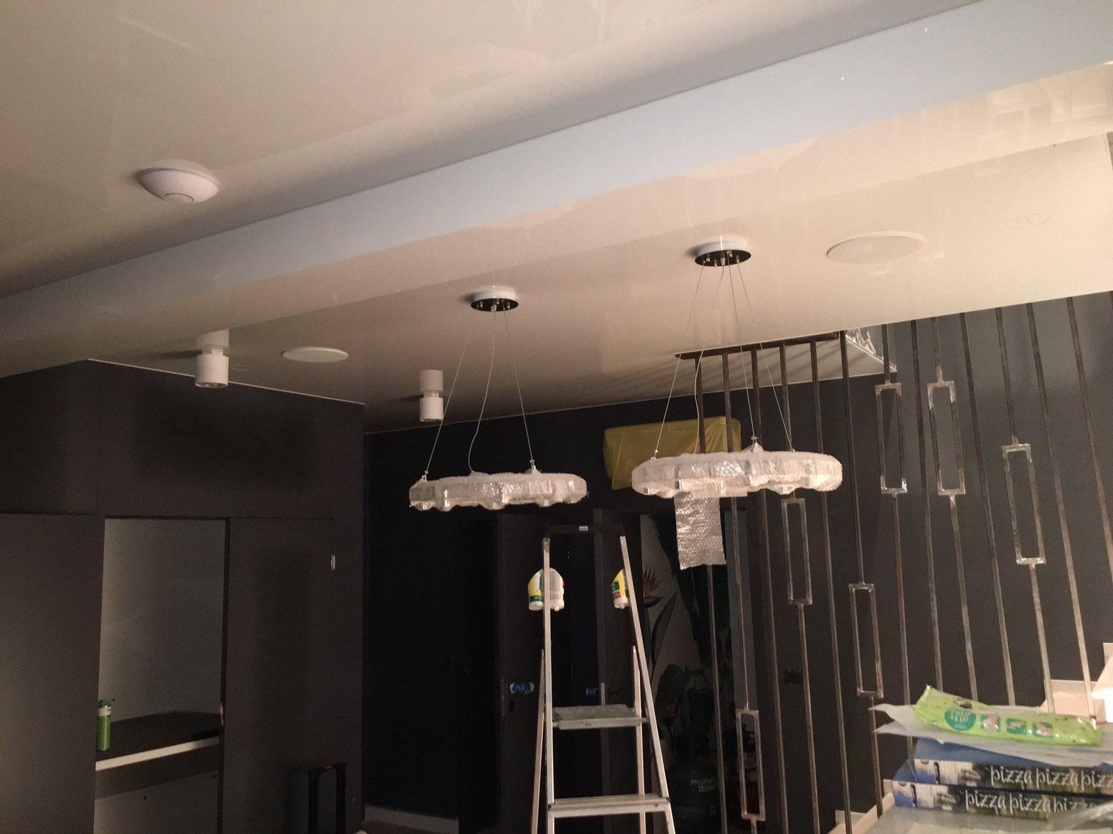 Sufity napinane biały połysk głośniki w sufitach